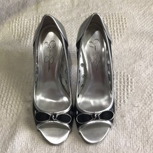Jessica Simpson Black and Silver 4in Heels Size 8